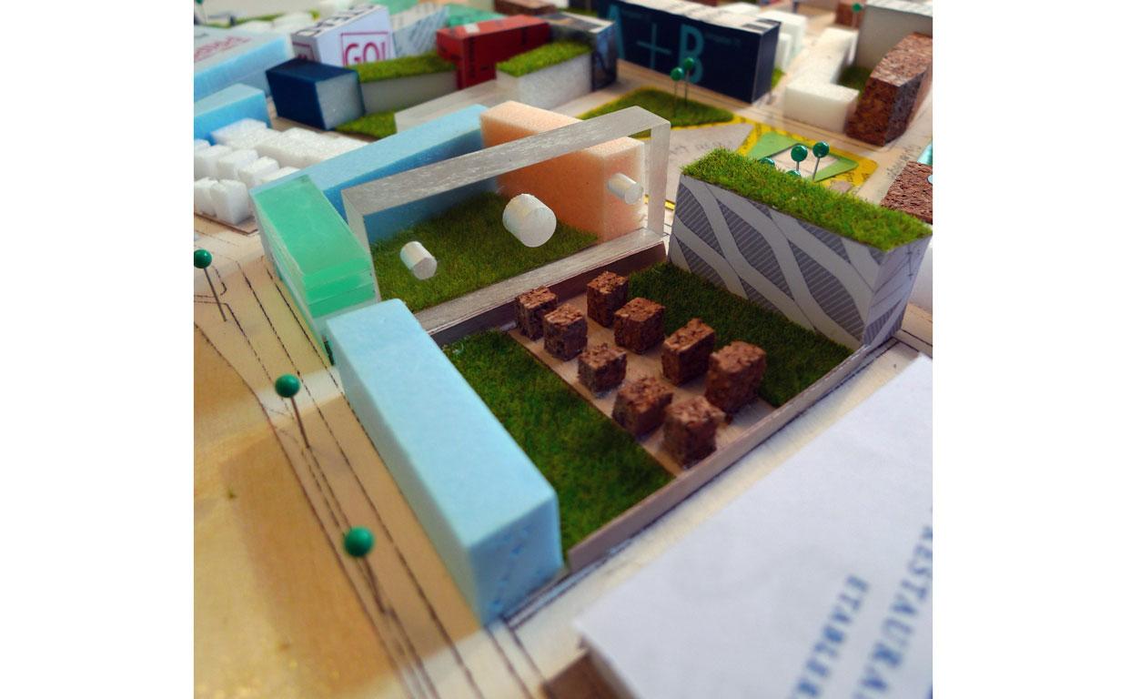 Virserum_Hållbar_Utveckling_Utställning_Varg_Arkitekter_modell_detalj_Vit_Kant
